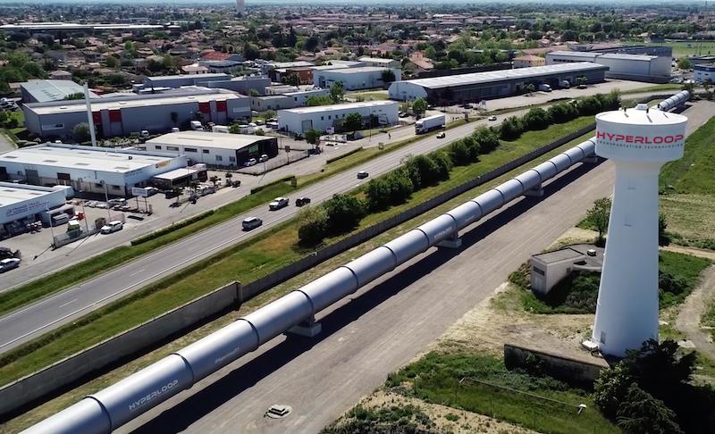 Hyperloop TT dévoile son système grandeur nature…