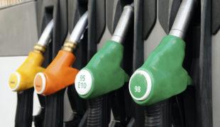 Finalement, pas d'augmentation des taxes sur l'essence!