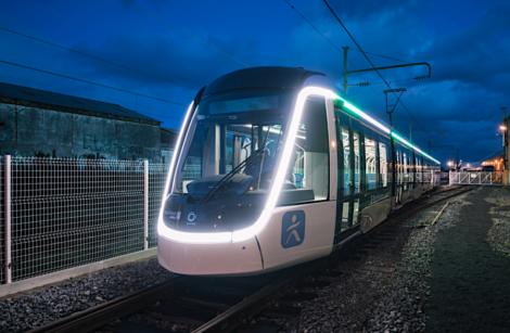 Première rame de tramway Citadis destinée à la ligne Tram T9, inaugurée à Orly!