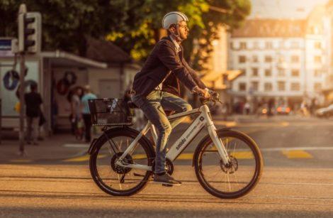 Seulement 2,1 % des actifs vont au travail en vélo
